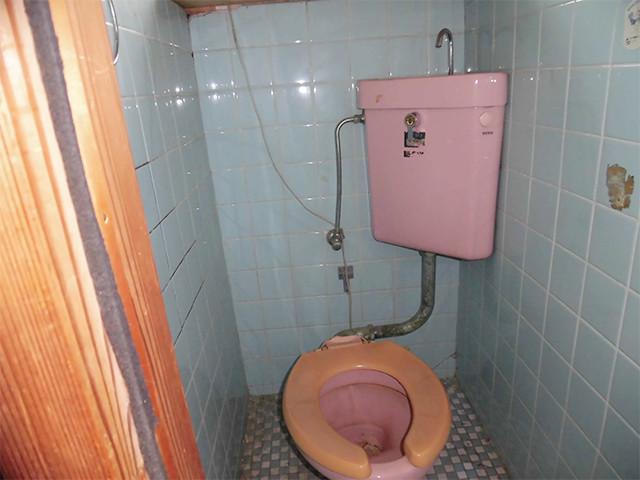 トイレのリフォーム(BEFORE)